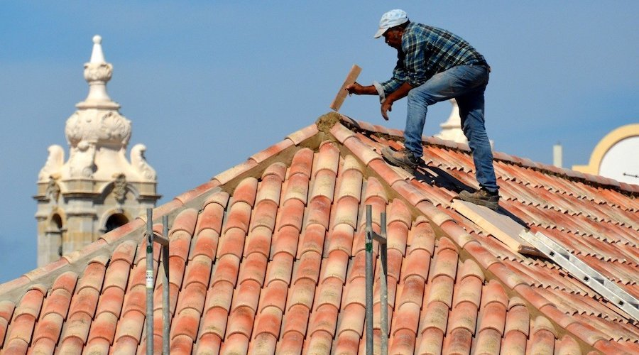Roof renovation: don't wait for the leak